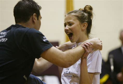 4 Week 12-14 Year Old Basic Young Womens Self Defence Course – Starts 27th July 2018