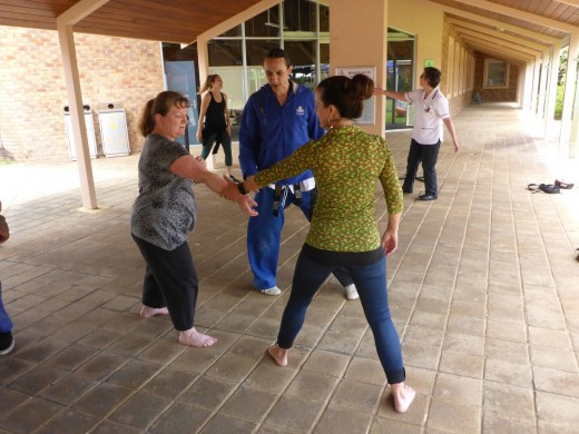 Simple Wrist Grab Escapes - ECU Wellness Day - Self Defence Workshop - www.tkdcentral.com