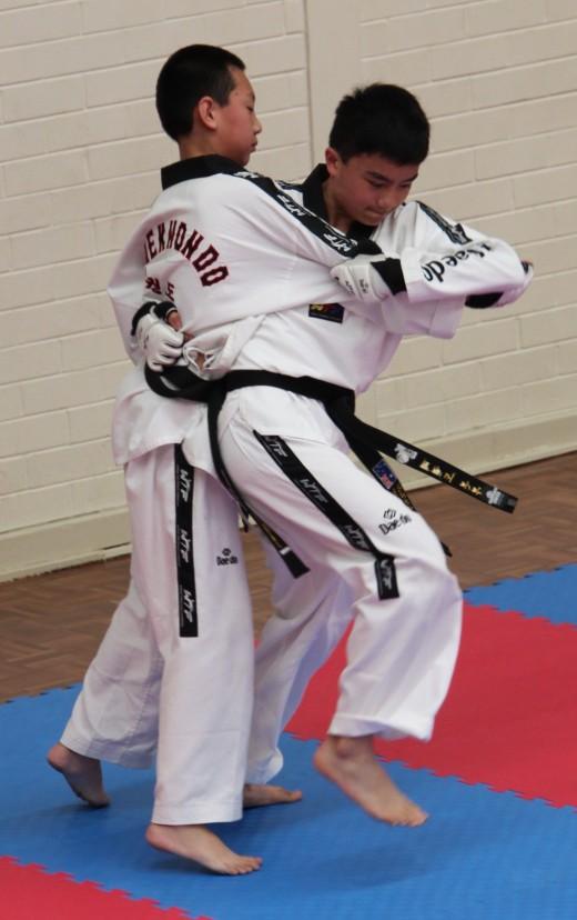 Kian Stapleton Is Grabbed For Self Defence - www.tkdcentral.com